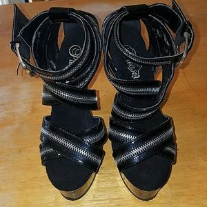 Platform zipper heels